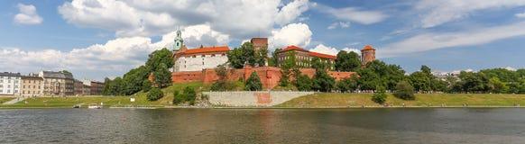 Панорамный взгляд замка в городке Cracow, Польша, Стоковые Фотографии RF