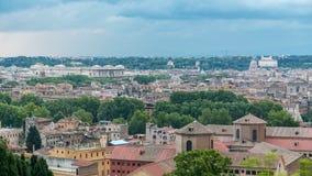 Панорамный взгляд исторического разбивочного timelapse Рима, Италии сток-видео