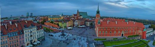 Панорамный взгляд квадрата замка Zamkowy, Варшавы, Польши стоковые изображения
