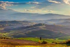 Панорамный взгляд красивой долины в ландшафте утра Стоковая Фотография RF
