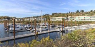 Панорамный взгляд Марины и жилых домов Ванкувера WA стоковые фото