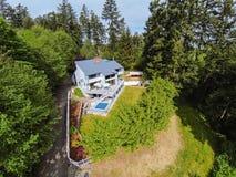 Панорамный взгляд морского дома стиля в древесинах Стоковая Фотография RF