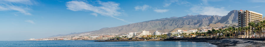 Панорамный взгляд на береговой линии курорта Adeje Косты, Тенерифе Стоковые Фото