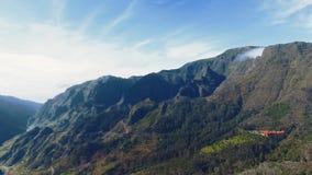 Панорамный взгляд на горе от Levada акции видеоматериалы
