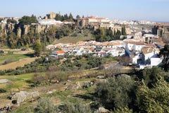 Панорамный взгляд на городе Ronda и окружающих равнинах Стоковое Фото