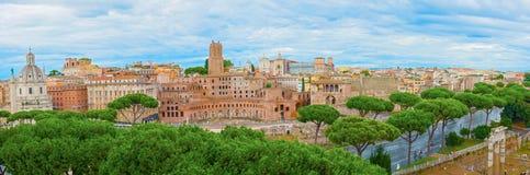 Панорамный взгляд на имперских форумах в Риме, Италии Стоковое Изображение