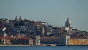 Панорамный взгляд на Лиссабоне и реке акции видеоматериалы