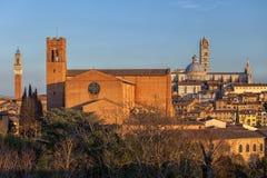 Панорамный взгляд на Сиене, Toscana, Италии стоковые изображения