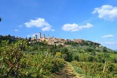 Панорамный взгляд на San Gimignano, Тоскане, Италии стоковая фотография rf