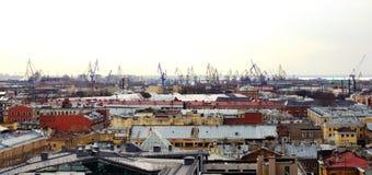 Селитебные здания и промышленные механизмы Стоковые Фото