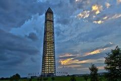 Панорамный взгляд памятника Вашингтона после шторма стоковые фото