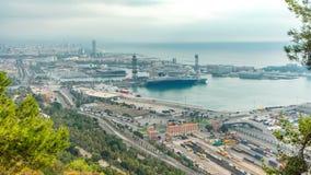 Панорамный взгляд порта в timelapse утра Барселоны, Испании акции видеоматериалы