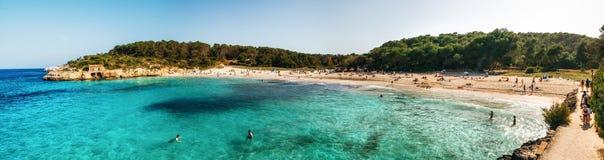 Панорамный взгляд пляжа sAmarador в Mondrago, Мальорка, Стоковые Изображения RF