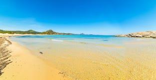 Панорамный взгляд пляжа Scoglio di Peppino Стоковые Фото