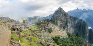 Панорамный взгляд руин Inca Machu Picchu - священная долина, Перу Стоковые Фотографии RF