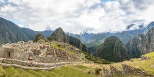 Панорамный взгляд руин Inca Machu Picchu - священная долина, Перу Стоковые Фото