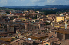 Панорамный взгляд старого городка Сиены, Тосканы, Италии Стоковая Фотография RF