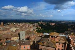 Панорамный взгляд старого городка Сиены, Тосканы, Италии Стоковое фото RF
