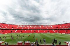 Панорамный взгляд стадиона Рэймона Sanchez Pisjuan стоковые изображения rf