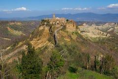 Панорамный взгляд Civita di Bagnoregio Стоковые Фото