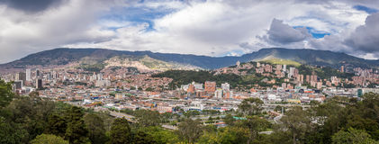 Панорамный взгляд Medellin, Колумбии Стоковые Фотографии RF