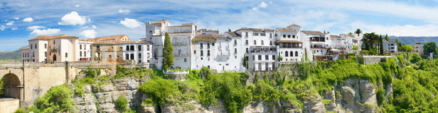 Панорамный взгляд Ronda расквартировывает, na górze скалы, Ronda Малагу, Испанию Стоковое Фото
