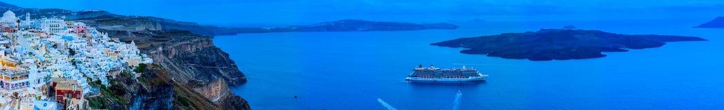 Панорамный взгляд Santorini Стоковые Фотографии RF