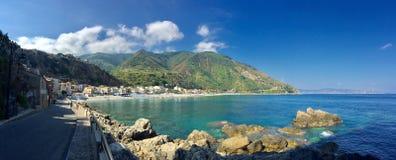 Панорамный взгляд Scilla, Reggio Di Calabria, Италии Стоковая Фотография RF