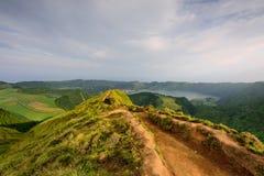 Панорамный вид Азорских островов естественного ландшафта, чудесного сценарного острова Португалии r стоковое изображение rf