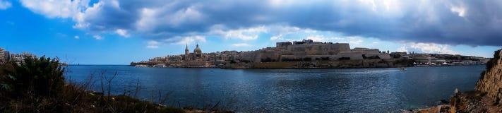 Панорамный вид Валлетты от острова Manoel стоковое изображение