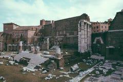 Панорамный вид виска Марса Ultor было старым святилищем в старом Риме стоковая фотография rf