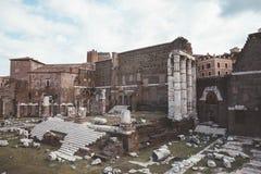 Панорамный вид виска Марса Ultor было старым святилищем в старом Риме стоковое изображение