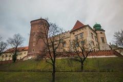 Панорамный вид замка Wawel в Краков на зимнем времени стоковые фотографии rf