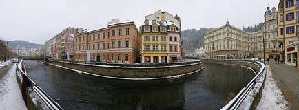 Панорамный вид исторических зданий Karlovy меняет чехию города стоковая фотография