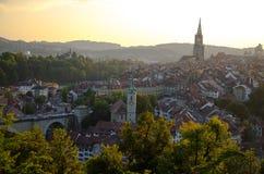 Панорамный вид исторического центра города Bern, Швейцарии стоковое фото