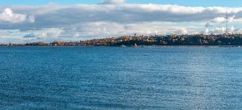 Панорамный вид к Реке Волга и городу Kozmodemiansk, панораме от нескольких рамок стоковая фотография
