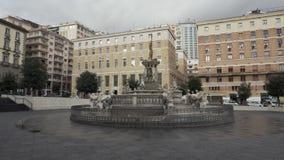 Панорамный вид на аркаде Municipio в Неаполь акции видеоматериалы