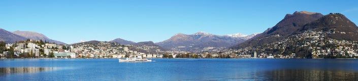 Панорамный вид на озеро Лугано, Швейцария, Европа Стоковые Фото