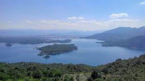 Панорамный вид озера, Европы стоковое изображение