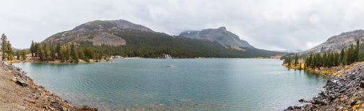 Панорамный вид озера Tioga стоковая фотография rf
