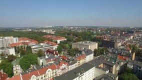 Панорамный вид с воздуха Гливица - в области Силезии Польши - центр города и исторический старый квартал городка видеоматериал