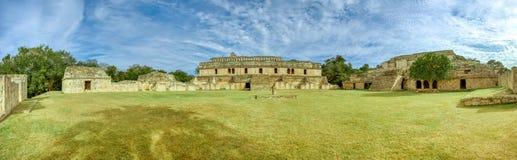 Панорамный вид Kabah, археологических раскопок Майя, Юкатан, Мексики стоковая фотография