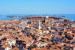 Панорамный воздушный взгляд городского пейзажа к Венеции в Италии Стоковая Фотография