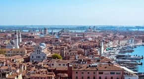 Панорамный воздушный взгляд городского пейзажа к Венеции в Италии Стоковое Изображение RF