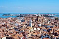 Панорамный воздушный взгляд городского пейзажа к Венеции в Италии Стоковые Фото