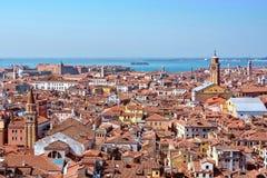 Панорамный воздушный взгляд городского пейзажа к Венеции в Италии Стоковое фото RF