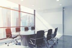 Панорамный конец конференц-зала вверх, тонизированный иллюстрация вектора