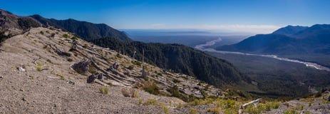 Панорамный от вершины вулкана в Патагонии, Чили Chaiten стоковые фото