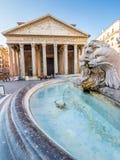 Пантеон в утре, Рим, Италия, Европа стоковое изображение rf