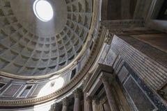 пантеон rome Италии купола Внутренний взгляд Пантеон был построен как templ Стоковое Изображение